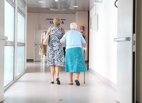 'Ouderenzorg zit op doodlopende weg'