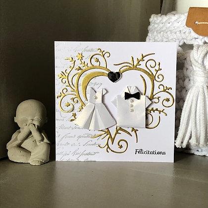 Petite carte ''Félicitations'' avec coeur doré, pour un mariage.