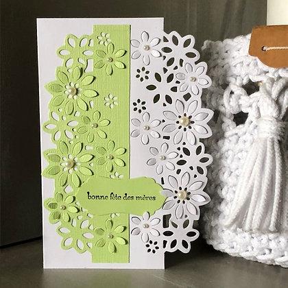 Carte ''Bonne fête des mères'' dans les tons verts avec fleurs