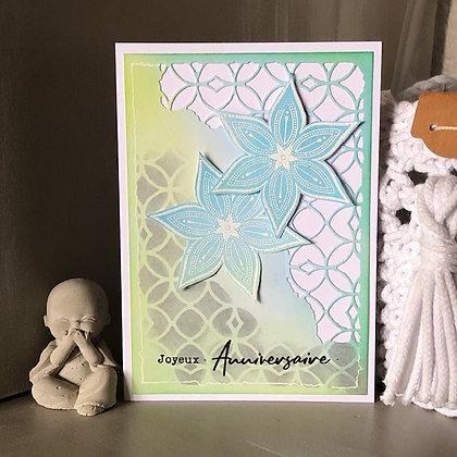 Carte ''Joyeux anniversaire'' avec 2 fleurs bleues et blanches