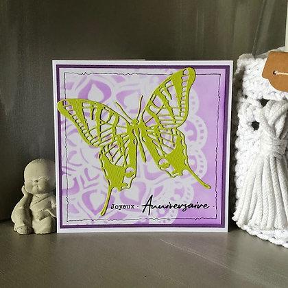 Carte ''Joyeux anniversaire'' avec grand papillon