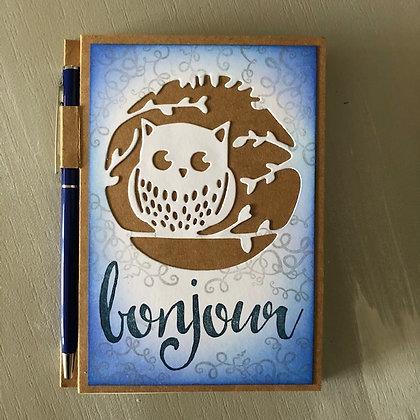 Carnet de note ''Bonjour'' avec hibou et stylo
