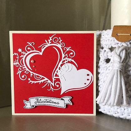 Carte ''Félicitations'' rouge avec 2 coeurs nacrés