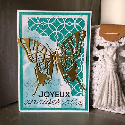 Carte ''Joyeux anniversaire'' avec grand papillon doré