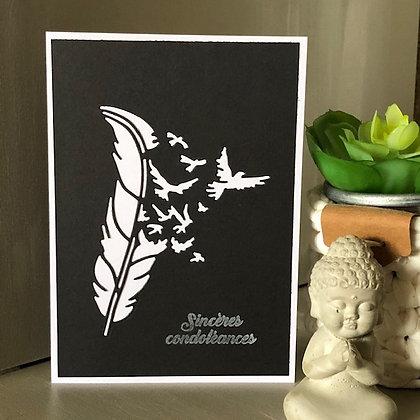 Carte ''Sincères condoléances'' avec plume et envolée d'oiseaux
