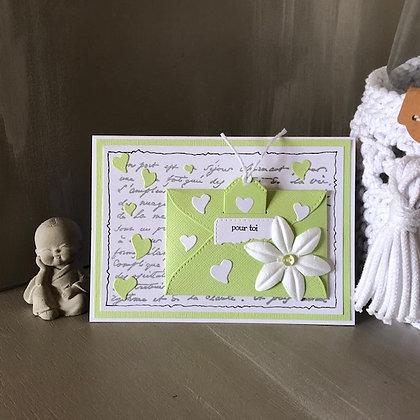 Carte à tirette  ''Maman je t'aime'' dans les tons verts pastels