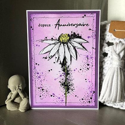 Carte ''Joyeux anniversaire'' avec grande fleur blanche
