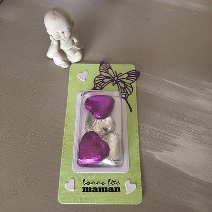 Décoration de table ''bonne fête  maman'' avec 4 coeurs en chocolat