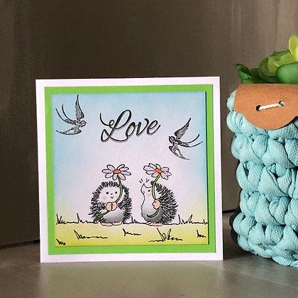 Petite carte ''Love'' avec 2 hérissons