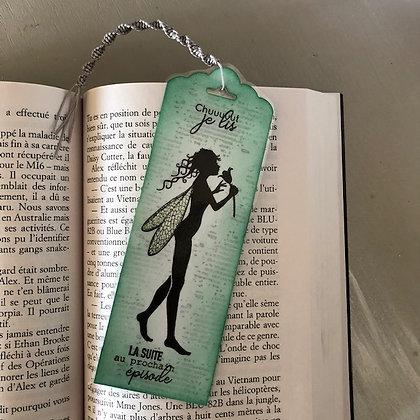 Marque page''Chut je lis'' dans les tons verts, recto-verso