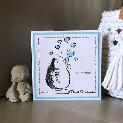 Petite carte ''Bonne fête, je t'aime maman'' avec hérisson