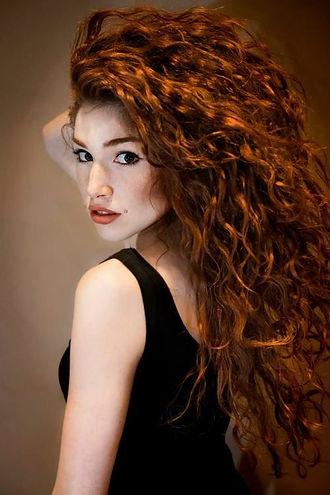 ba20e105a24b36e187f8106fd1d22f7f--red-curly-hairstyles-curly-red-hair.jpg