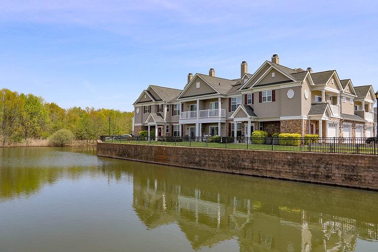 Roger's Walk homes near lake