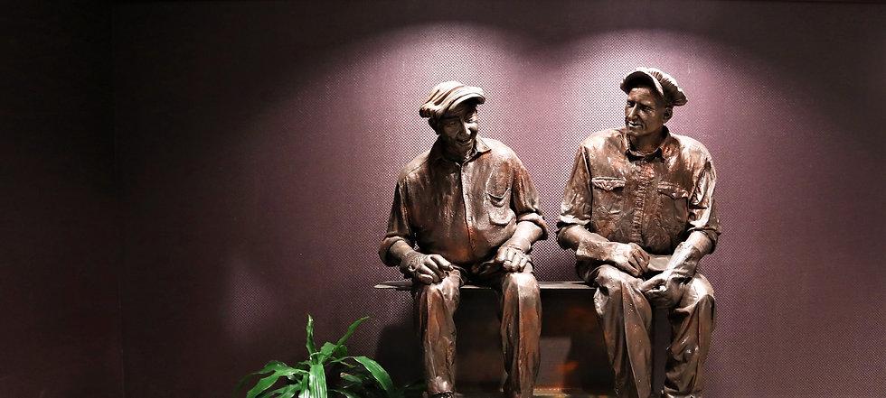 Davis Enterprises Worker Statue