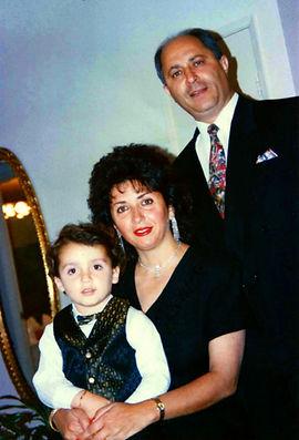 Dr_Paki_Family.jpg