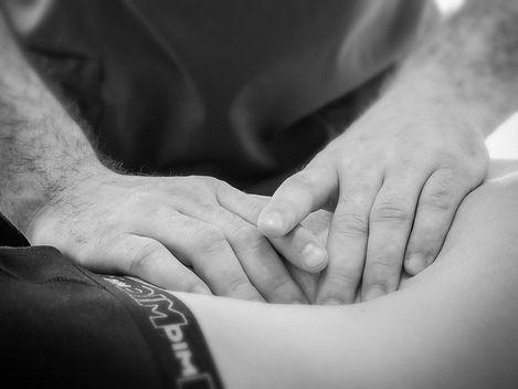 image seance d'ostéopathie adultes, enfants, nourrissons, sportifs