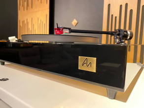 Audio Note TT-2 Deluxe Turntable with Arm 3 and IO Cartridge
