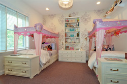 Lakeview Girl's Room