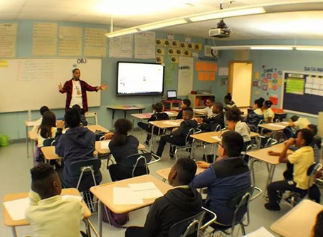 Passionate Rebel founder speaks at LV Middle School in Roselle, NJ for Career Day.