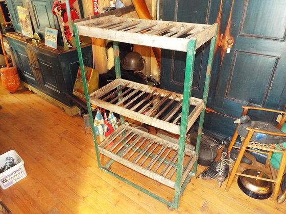 3426 Meuble  métal et bois sur roue