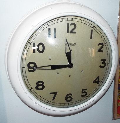 4731 Horloge d'école