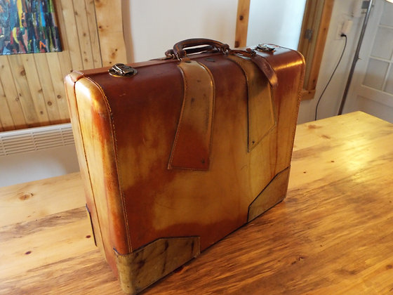 4632 Magnifique valise made in england