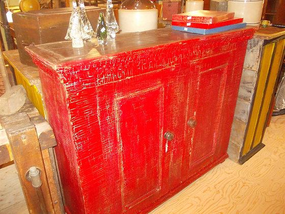 3126  Magnifique armoire clous carrés