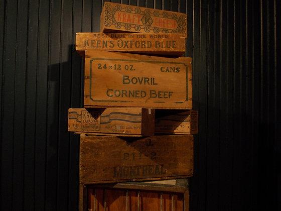 4006   Boite de bois décorative