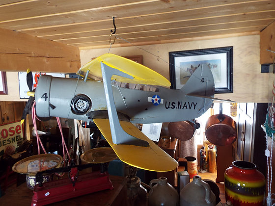 4180 Superbe avion en bois 1950