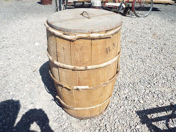 4445 Baril en bois