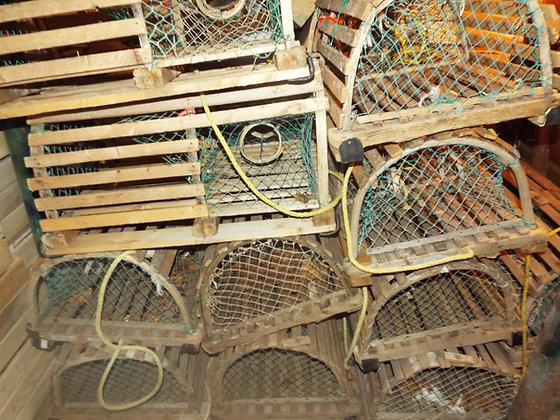 4486 Ancienne cage a homard tout bois