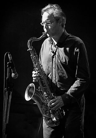 Josh Kemp performing