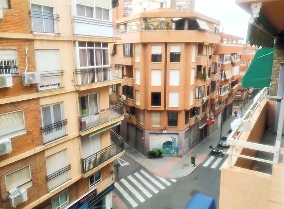 VENTA - Piso en Alicante Pintor Gisbert