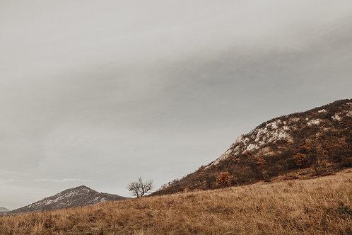 Kis hegy, Kesztölc mellett