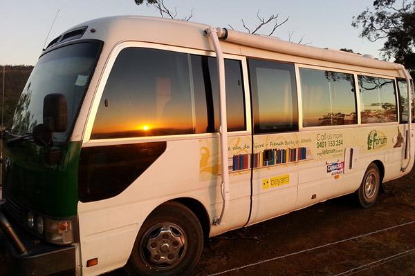 Le van sous le soleil couchant