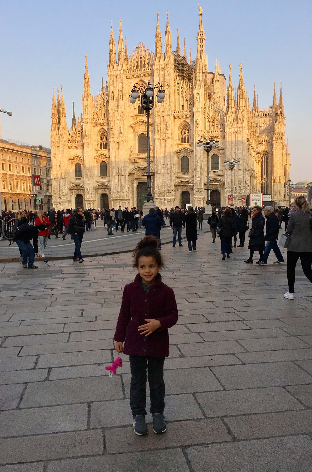 Loreva @ the milan Cathedral. You want to know more about Duomo di Milano, check out our instagram post about it :)