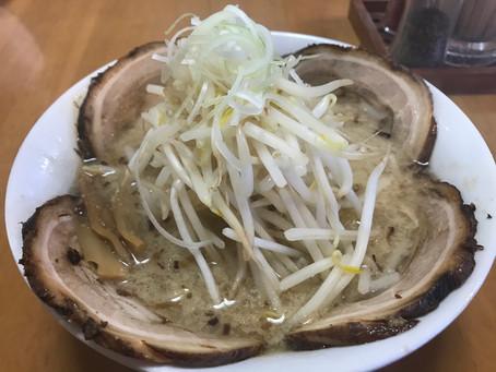 湯河原のラーメン屋🍜麺の蔵  宿から徒歩7分!根強いファンがいる人気のラーメン屋さんです。醤油、塩、味噌どれも美味しい‼️ 今回は味噌をいただきました。😋