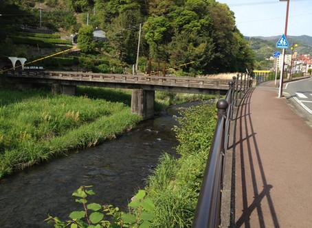 宿より徒歩3分の千歳川(ちとせがわ)