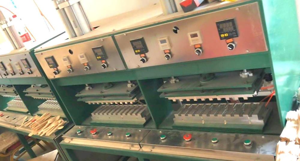 Wooden cutlery press machine