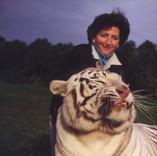 Carol & White Tiger (700 lbs.)