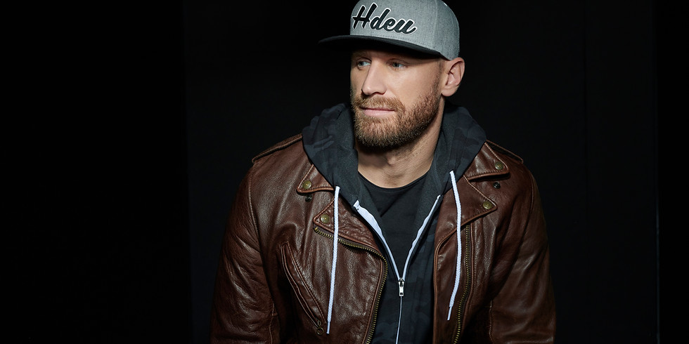 Chase Rice (solo acoustic) - Columbus, OH (Drive-In Show)
