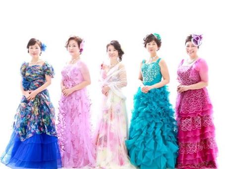 還暦お祝い!仲良し5人組でドレスに大変身!