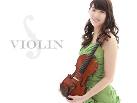 グリーンのドレスが美しいヴァイオリニスト♪