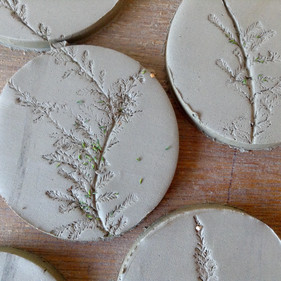 Coaster tiles with flowers