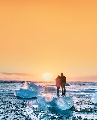 Iceland Diamond Beach, sunset ,couple_edited.jpg