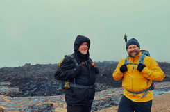 2Go Iceland guide with a guest at the vo