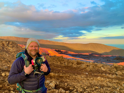 Tour guide in Fagradalsfjall volcano with a lava behind_0.5x.jpg