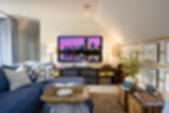 sh2015_loft_lg-television-wall-mounted-s