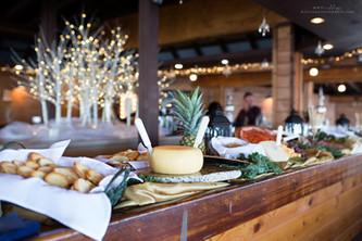 Bar/food service area