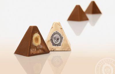 Pyramide, ca. 30 g